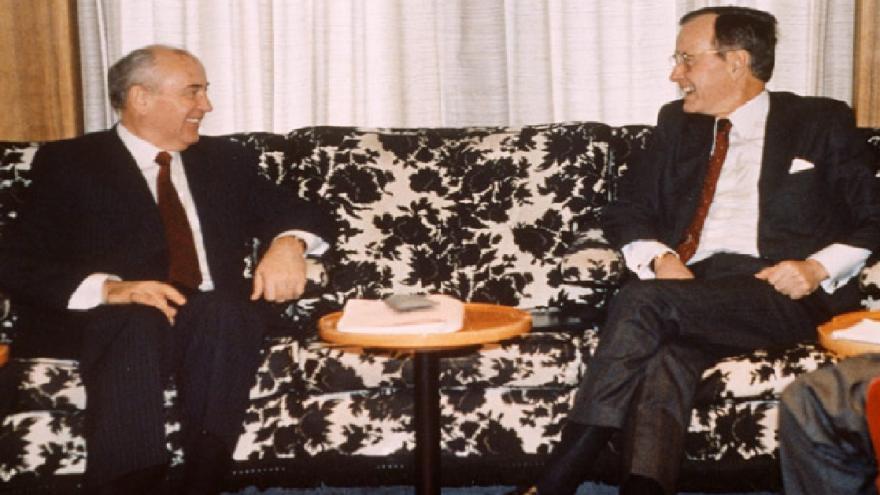 Video Před 30 lety skončila studená válka. Setkání Bushe a Gorbačova na pobřeží Malty vstoupilo do historie