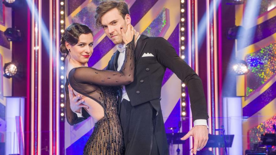 Video Televizní tanečnicí roku je herečka Veronika Khek Kubařová