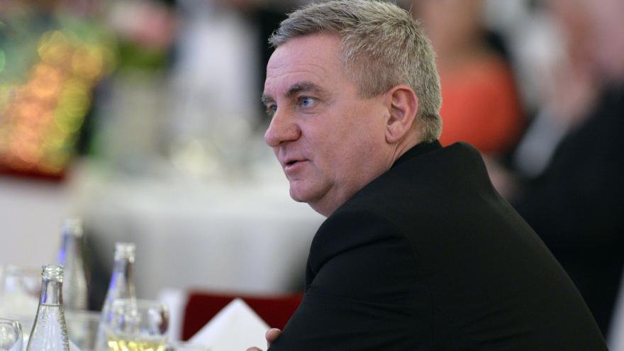 Video Události: Sněmovní zahraniční výbor zkritizoval kancléře