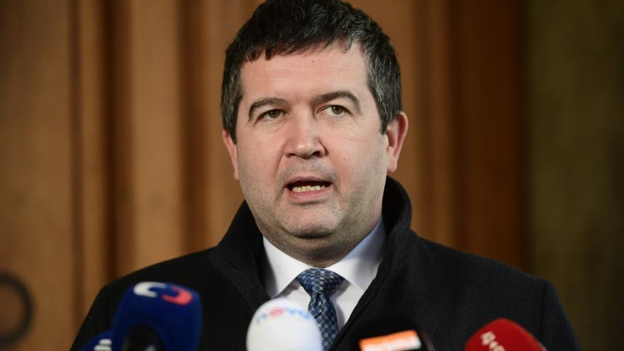 Video Vyjádření ministra vnitra Jana Hamáčka (ČSSD) o opatřeních proti koronaviru
