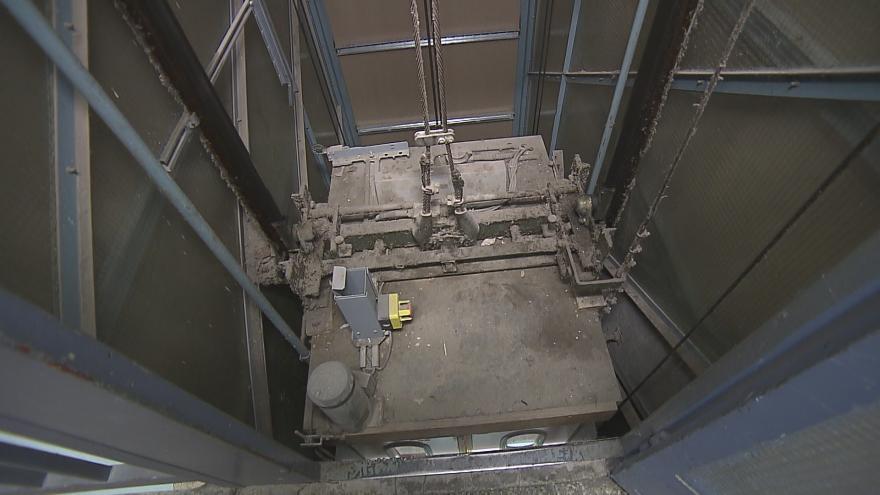 Video V Havířově nastala hromadná výměna výtahů. Některé jsou staré téměř přes 50 let