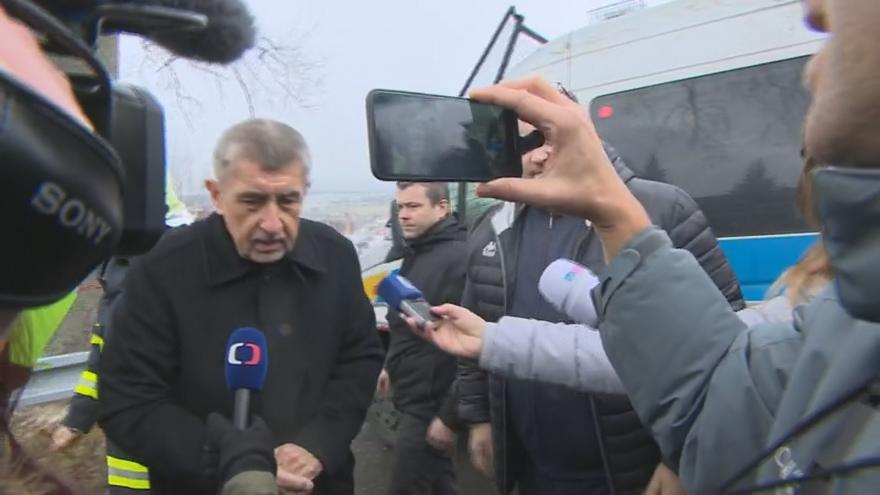 Video Místo tragického požáru ve Vejprtech navštívil premiér Andrej Babiš