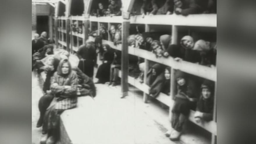 """Video Jedna z nejmladších přeživší holocaustu. Rodačka ze slovenského Trenčína byla převezena do """"tábora smrti"""" už ve dvou letech"""