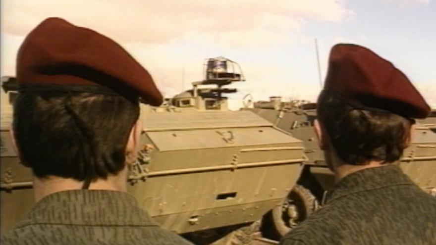 Video 30 let zpět: Červené barety