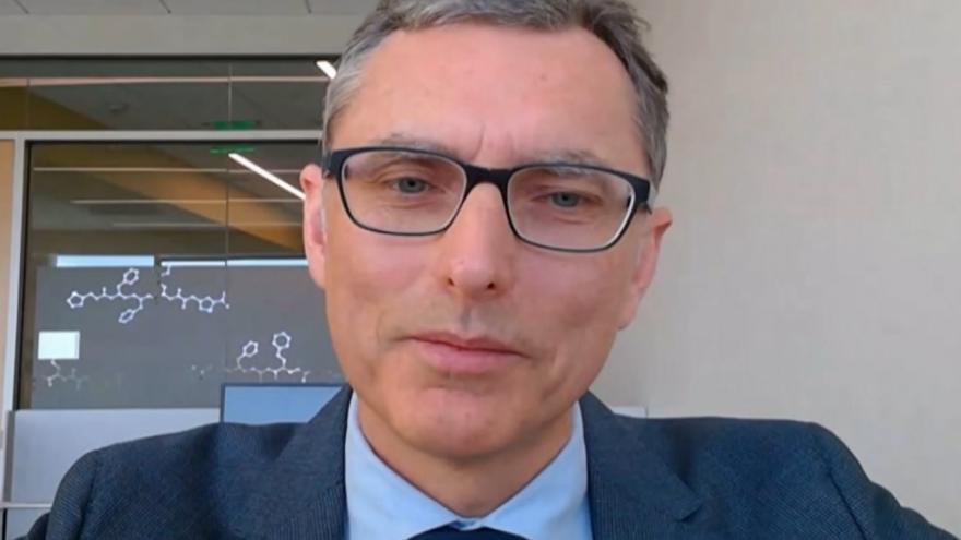 Video Spoluautor látky pro léčbu koronaviru a viceprezident pro virologii Gilead Science Tomáš Cihlář
