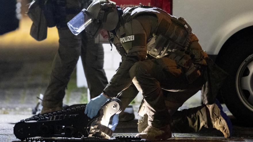 Video Útočník z německého Hanau je po smrti. Hlášeno je devět obětí