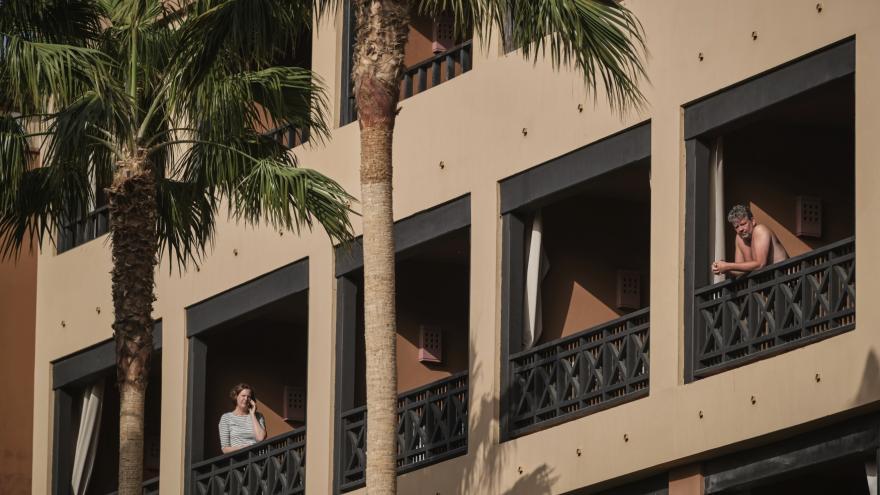 Video Události: Češi uzavření v hotelu na Tenerife