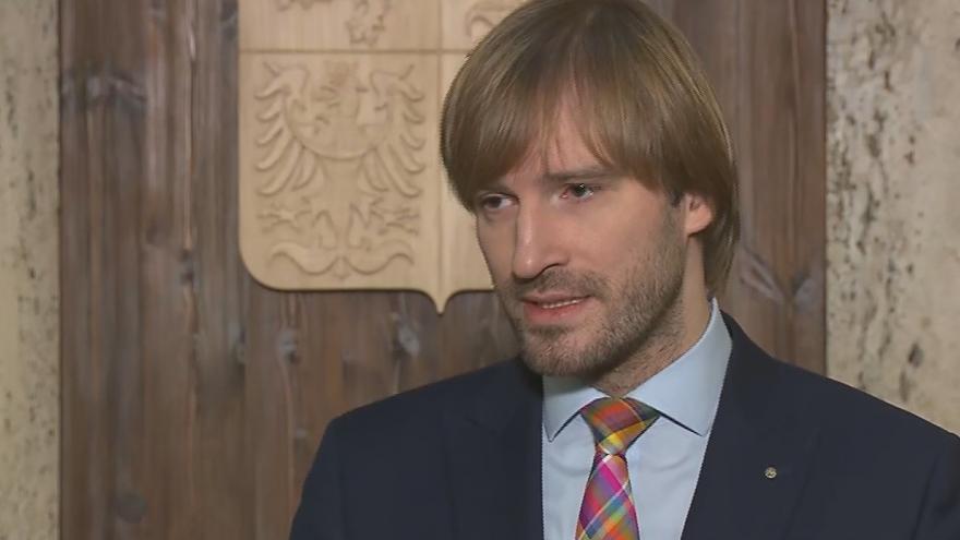 Video Tisková konference ministra zdravotnictví Adama Vojtěcha (ANO) o aktuální situaci kolem koronaviru
