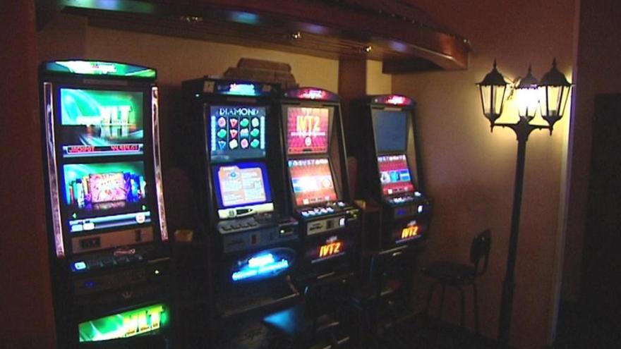 Video Města bojují s nelegálním hazardem