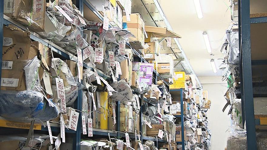 Video Tisíce nedoručitelných zásilek končí v brněnské úložně