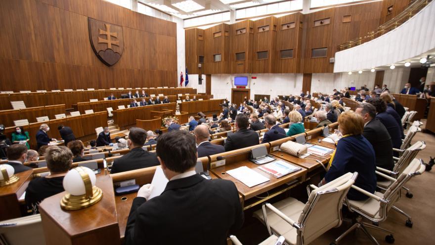Video Události ČT: Schůze nového parlamentu na Slovensku