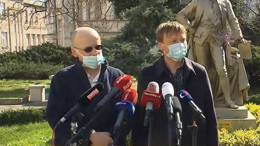 Video Tisková konference VFN Praha k nově přijatému léku remdesivir