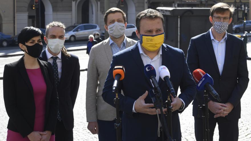 Video Tisková konference opozičních stran 6. dubna