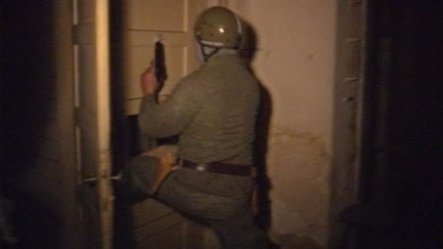 Video Policejní zátah v Karlových lázních