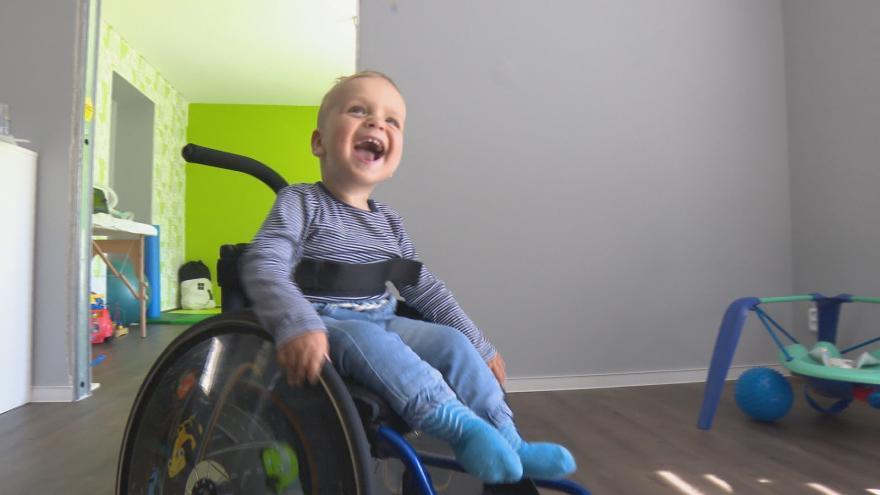 Video Experimentální lék má pomoci dětem se spinální svalovou atrofií. Jedna dávka stojí desítky milionů korun
