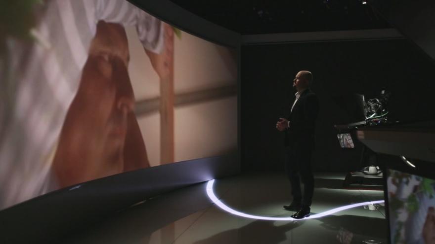 Video 15 let ČT24: Útoky vajíčky na politiky ČSSD