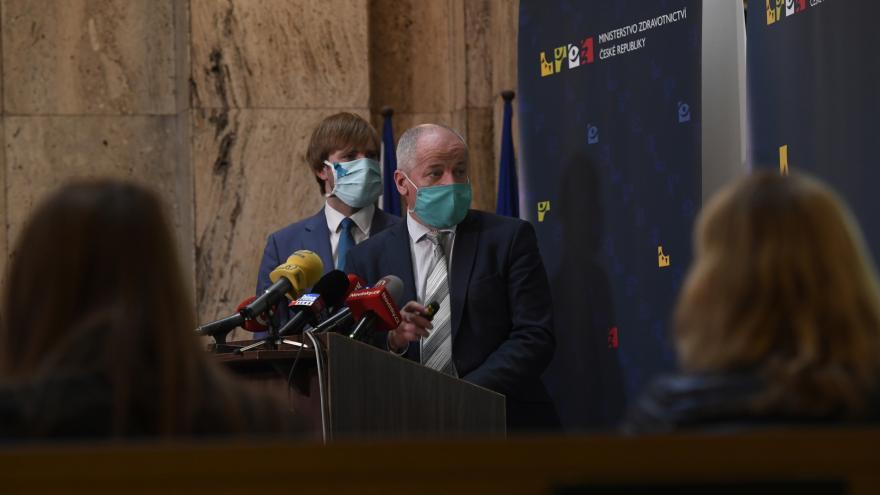Video Brífink k průběžnému vyhodnocení vývoje epidemie z 6. května