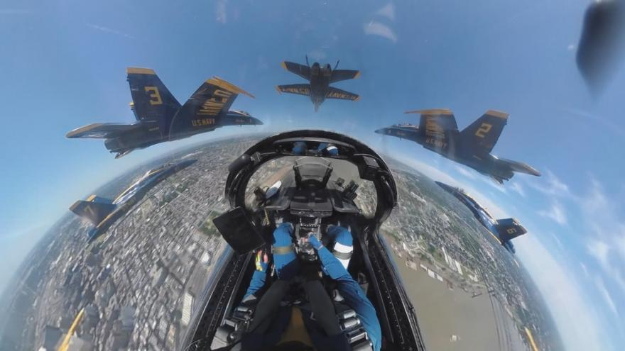 Video Jak to vidí pilot? Unikátní záběry z paluby amerického bojového letounu