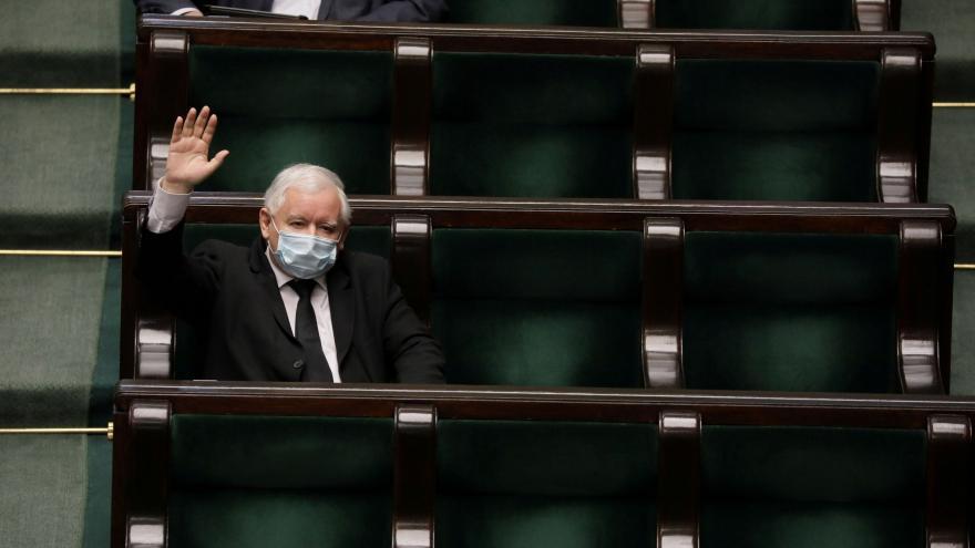 Video Události ČT: Polský Sejm přijal zákon o korespondenčním způsobu volby prezidenta