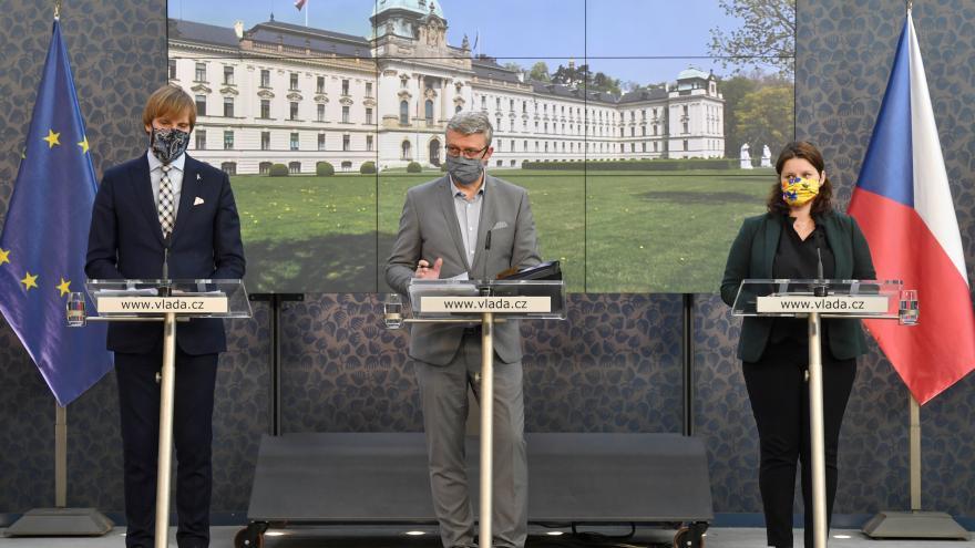 Video Brífink po jednání vlády 7. května