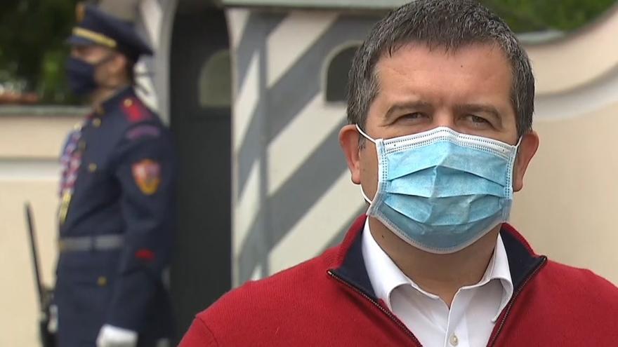 Video Brífink ministra vnitra Jana Hamáčka z Lán 12. května