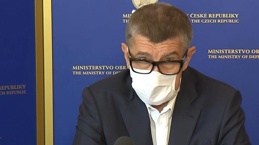 Video Brífink předsedy vlády Andreje Babiše, ministra obrany Lubomíra Metnara a náčelníka Generálního štábu Aleše Opaty