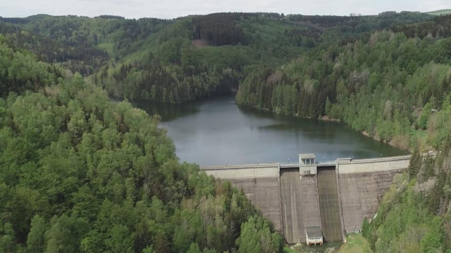 Video Nedostatek vody je extrémní. Vodohospodáři se snaží co nejvíce naplnit přehrady
