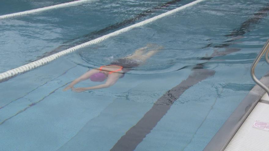 Video Otevřít mohou bazény, aquacentra i wellness