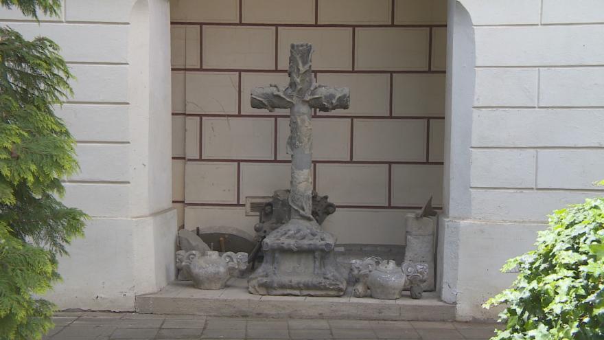 Video Našla se dávno ztracená památka. Rohanův kříž byl celou dobu řádně udržován