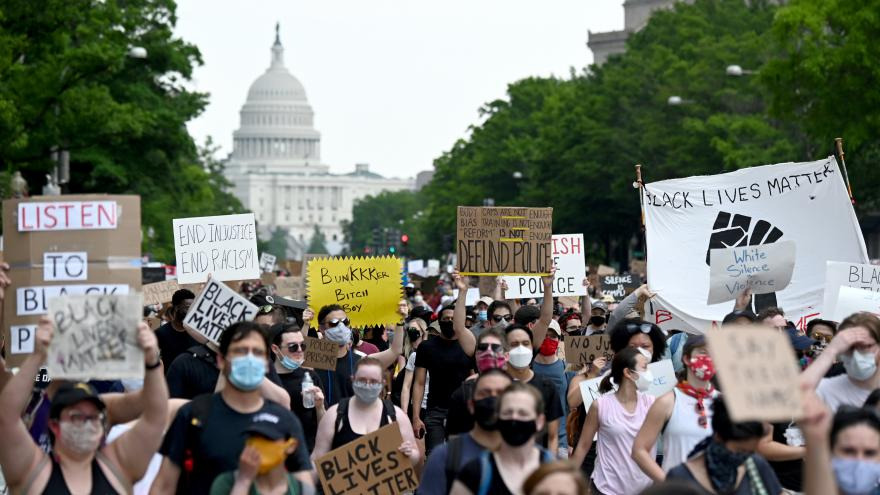 Video 168 hodin: Situace v USA ohledně protestů proti smrti George Floyda