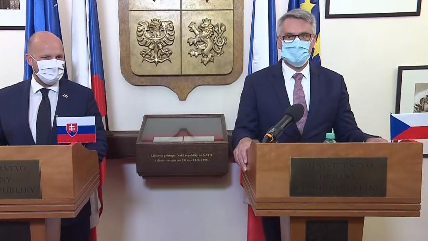 Video Tisková konference po setkání ministrů obrany ČR a SR
