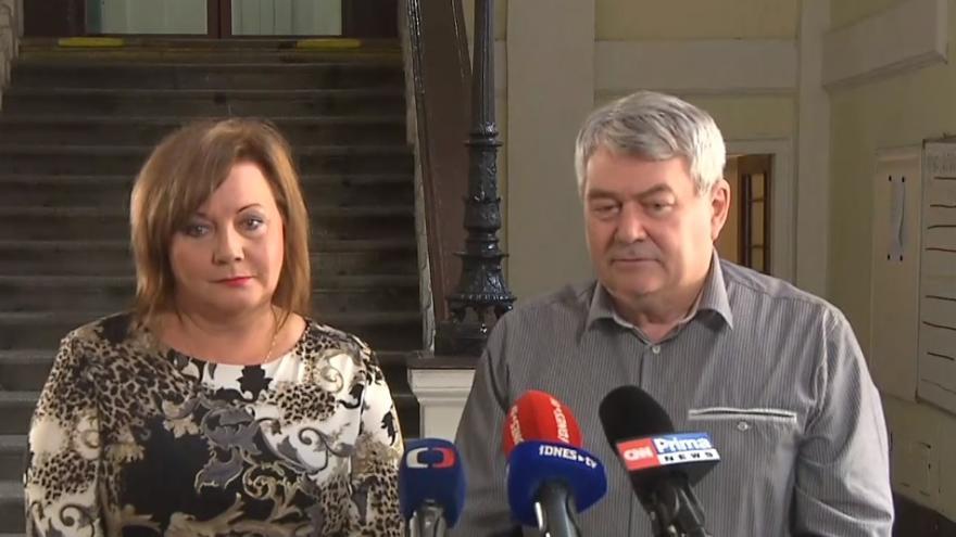 Video Tisková konference po jednání vedení KSČM s ministryní financí Alenou Schillerovou