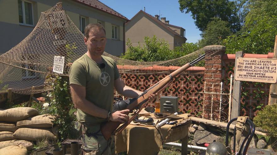 Video Původně byl historický vojenský kemp postaven pro neteř. Nyní se do něj sjíždějí z celého Česka