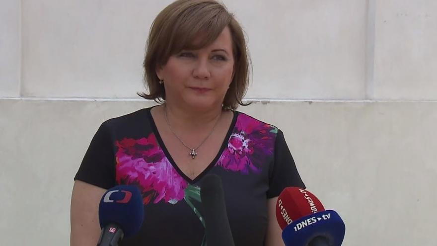 Video Tisková konference ministryně financí Aleny Schillerové po jednání s prezidentem