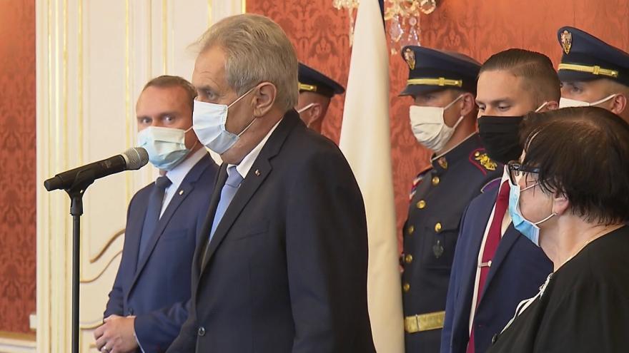 Video Prezident Zeman jmenoval předsedy tří krajských soudů