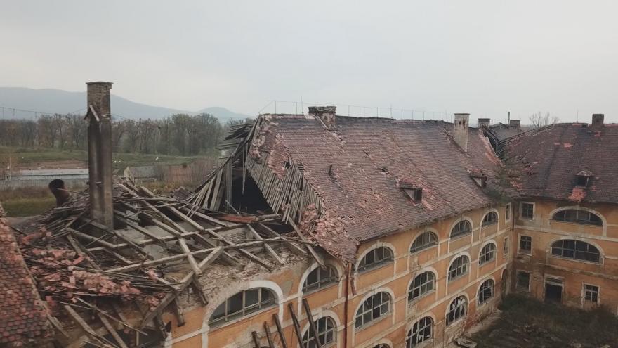 Video Nejasná budoucnost historického Terezína. Hledá se investor oprav