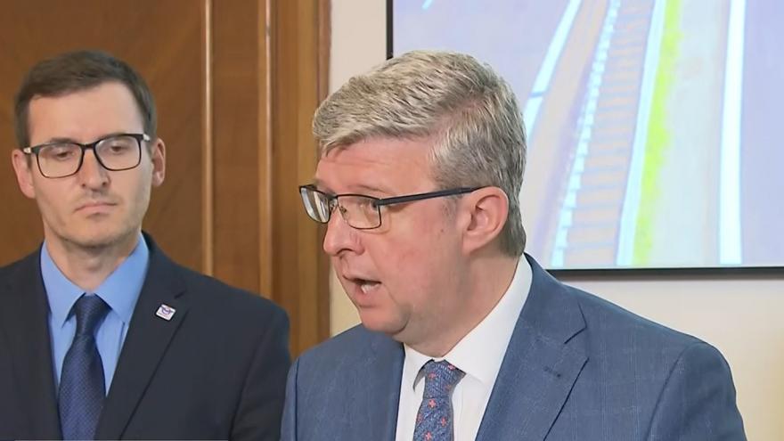 Video Brífink Ministerstva dopravy o opatřeních před prázdninami