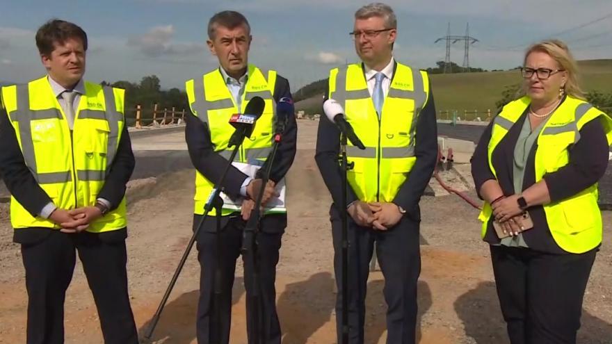 Video Tisková konference premiéra Babiše a ministra Havlíčka k novým dálničním úsekům