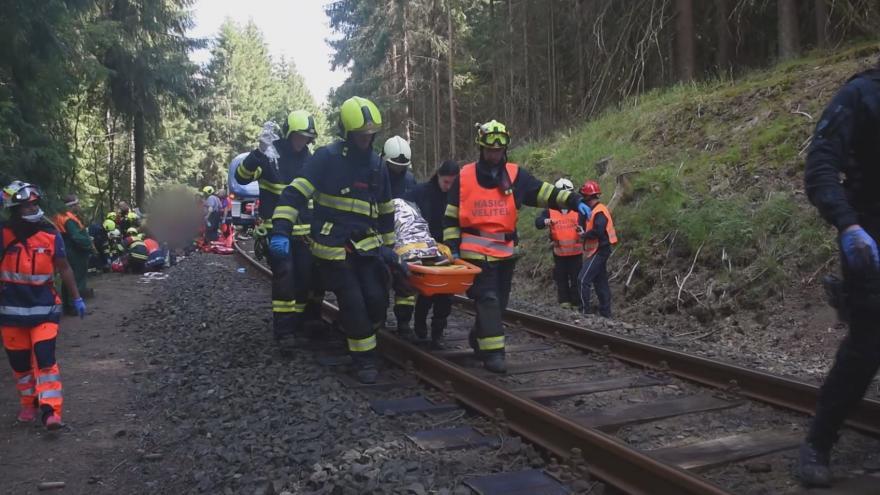 Video 90' ČT24: Železniční neštěstí u Perninku