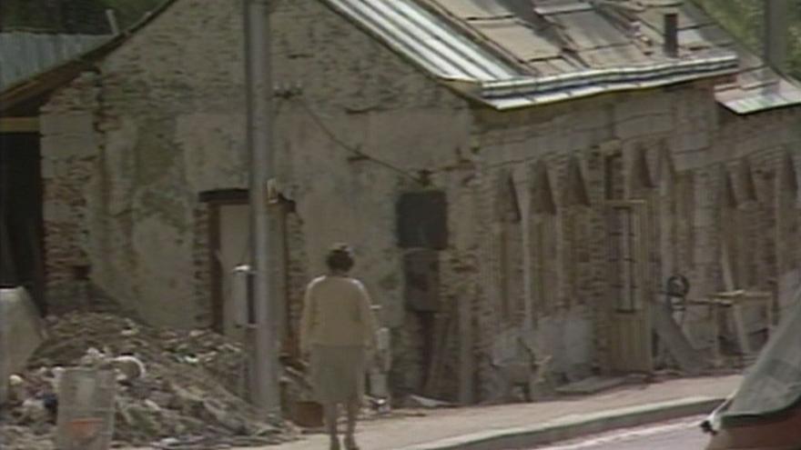 Video Zdi zdejších domů přímo září