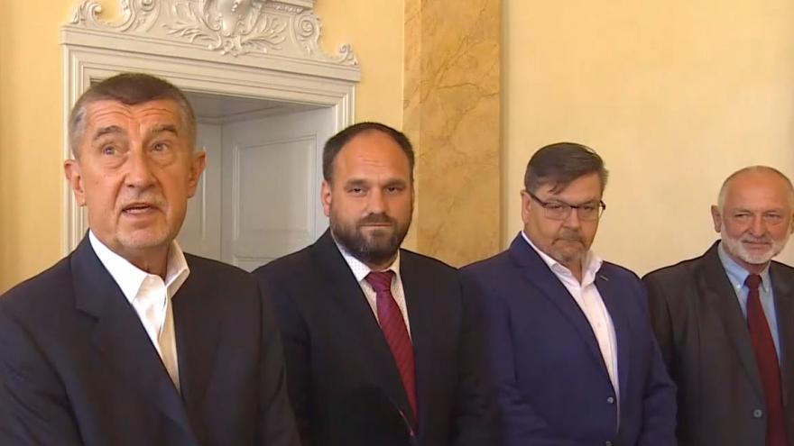 Video Premiér na návštěvě Terezína