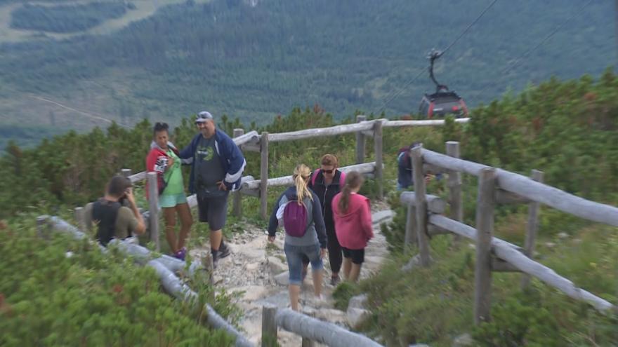 Video Vysoké Tatry řeší, jak skloubit turismus a ochranu přírody. Slovensko se bojí přetížení území