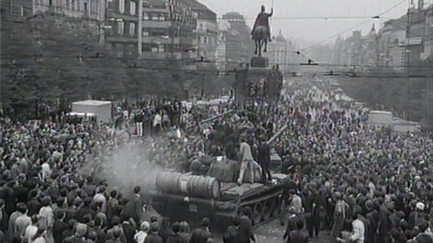 Video Srpen 1968 očima televizních a rozhlasových zpravodajů