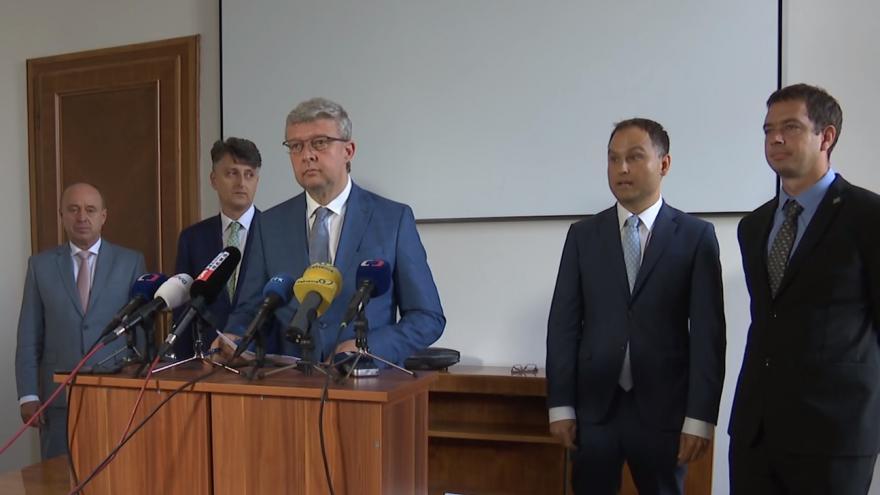 Video Brífink ministra Havlíčka o bezpečnosti železničního provozu