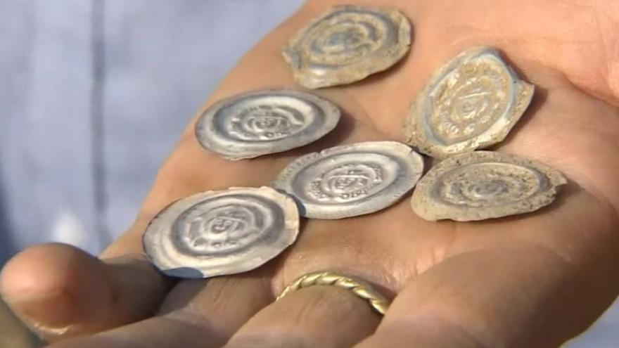 Video Archeologové našli na Písecku poklad z dob Přemysla Otakara II.