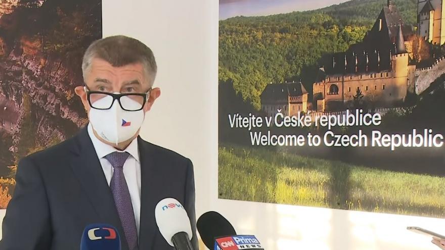 Video Brífink premiéra před odletem do Bruselu
