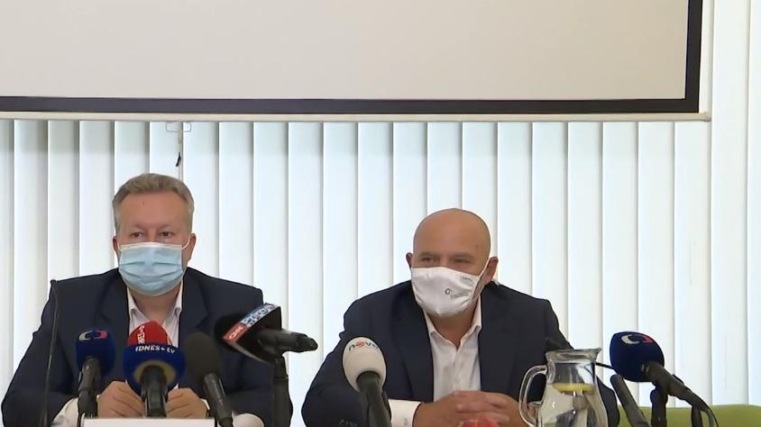 Video Brífink ministra životního prostředí a ředitele České inspekce životního prostředí k havárii na Bečvě