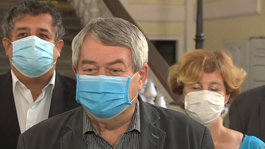 Video Vojtěch Filip rezignoval na předsedu strany KSČM