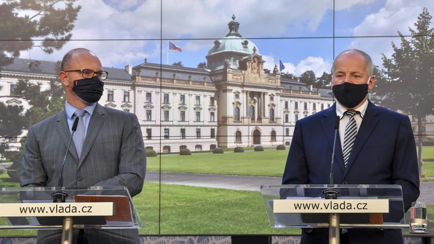 Video Brífink po jednání vlády k zavedení nových opatření proti šíření koronaviru z 8. října