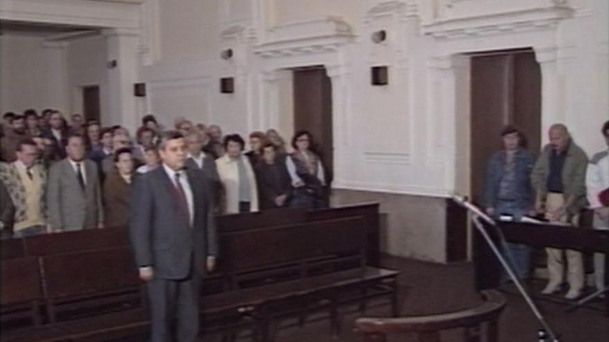 Video Poslyšte rozsudek jménem republiky